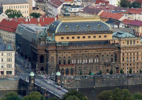 1280px-Praha_Narodni_divadlo[1].jpg