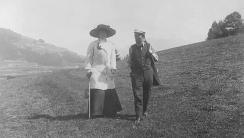 1909-gustav-_amp_-alma-mahler-_copy_-bildarchiv-der-osterreichische-nationalbibliothek-1550x880[1].jpg