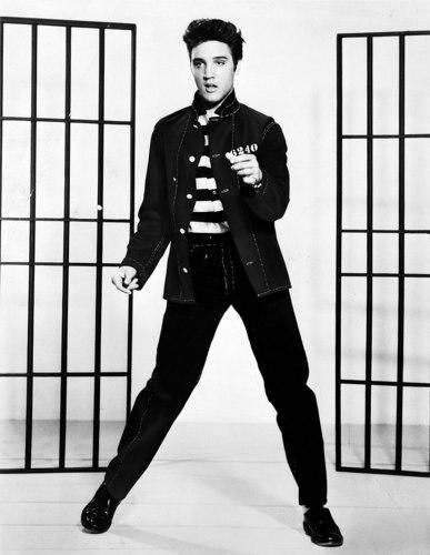 800px-Elvis_Presley_promoting_Jailhouse_Rock[1].jpg