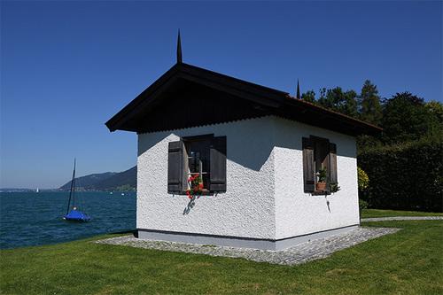 アッター湖畔のマーラーの作曲小屋.jpg